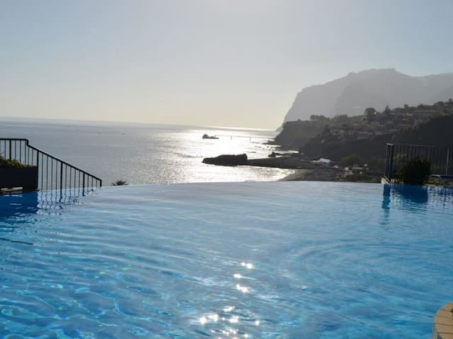 Luxury Sea View Apartment - Funchal - Apartment