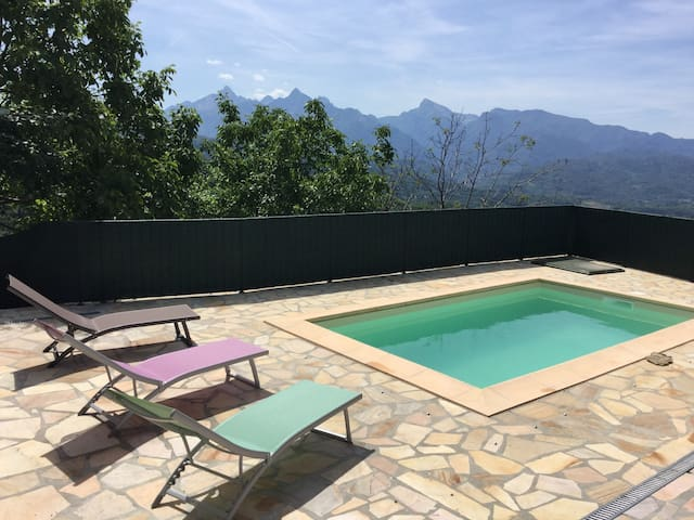 Peaceful 3 bedroom retreat, with pool and stunning views near Fivizzano