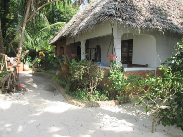 NUNGWI FARIDU BEACH VILLA & KITCHEN