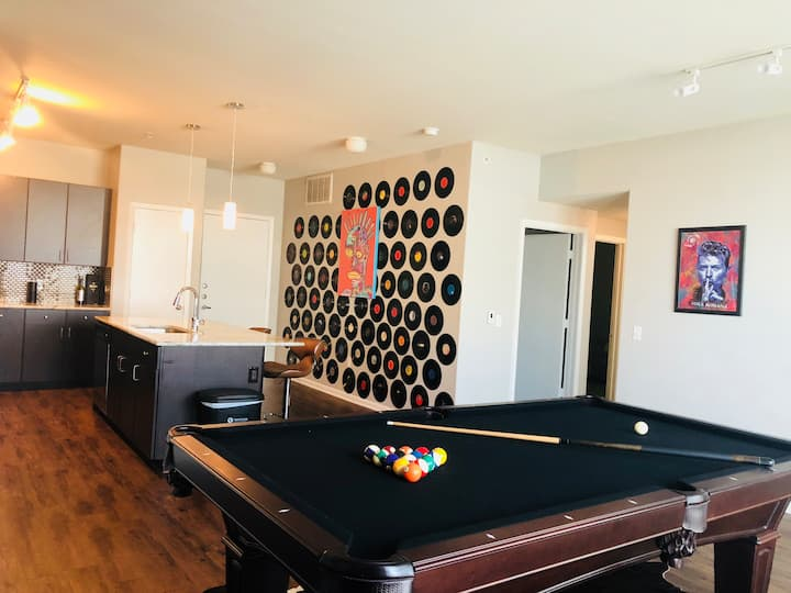 Location! Home away from home - loft in W 7th