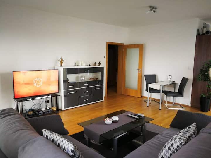 Moderne Wohnung + Tiefgarage