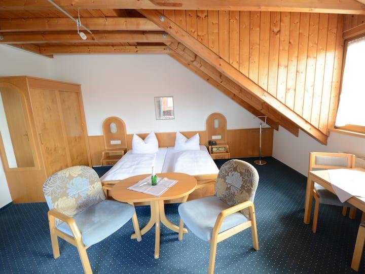 Ferienhaus Anker, (Uhldingen-Mühlhofen), Ferienwohnung Nr. 6 mit 33qm,  Balkon ohne Seesicht, max. 2 Personen