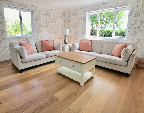 Norfolk Flint | Amazing Views | A place to relax