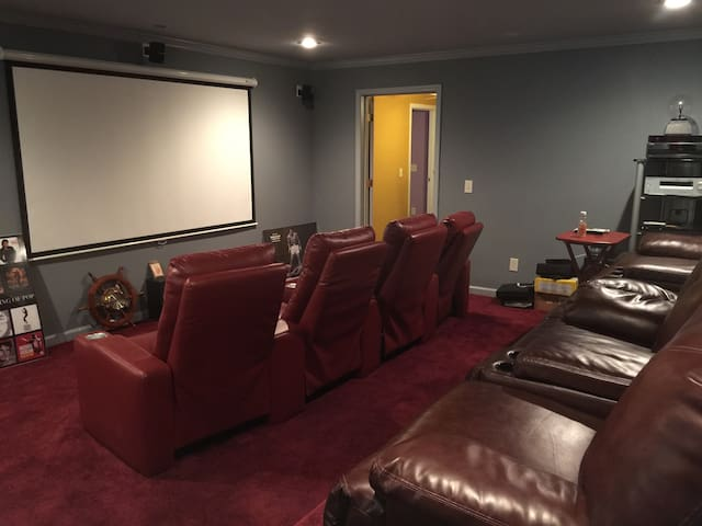 Awesome 3Br Basement Apartment Near Film Studios - Conyers - Suite tamu