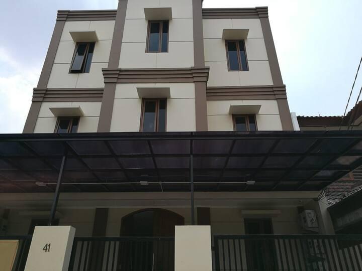 Rumah Kost Bintaro dekat STAN