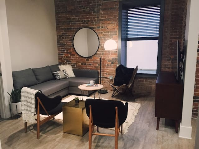 Central DOWNTOWN Loft Where all the ACTION is! 204
