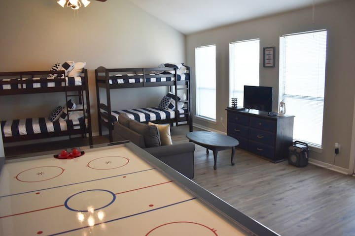 4 Twin Beds and 1 Twin Sofa bed in the Bunk/Game Room