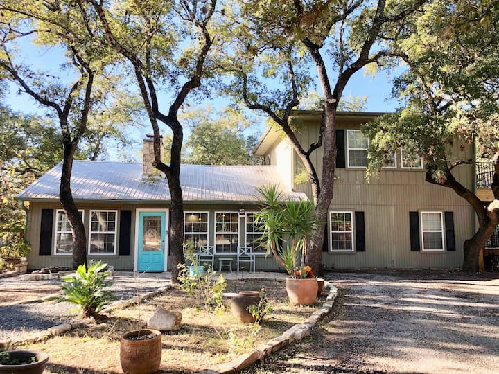 Amazing 3B/2B Home- Fireplace- Austin- Lake Travis