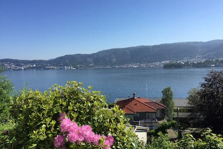 Charming place by the fjord and Bergen. - Bergen - Appartamento