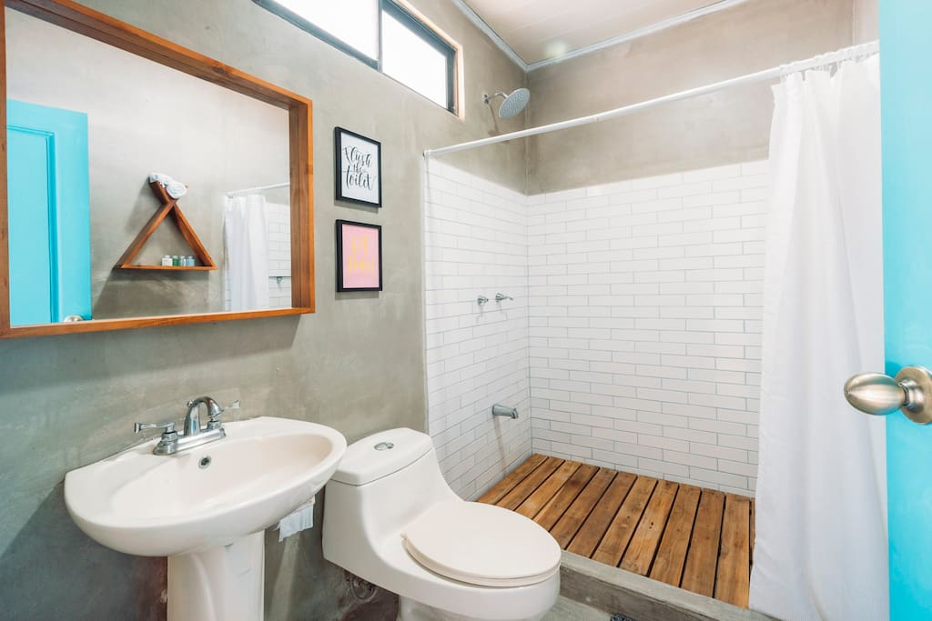 Bathrooms with modern and clean design