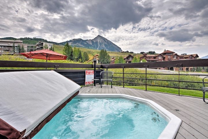 Crested Butte Condo w/Hot Tub - Walk to Ski Slopes