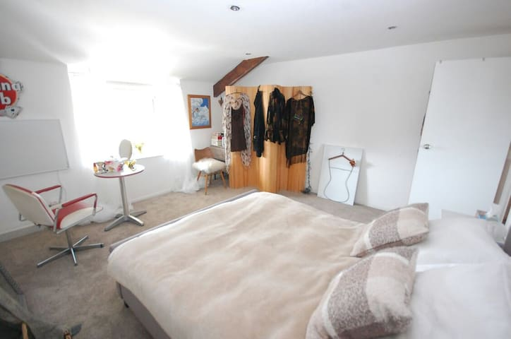 Stylish apartment with great views - Teignmouth, England, GB - Appartement