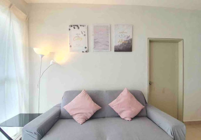 Cozy Space@Ara Damansara 2-6pax 6 mts walk to LRT