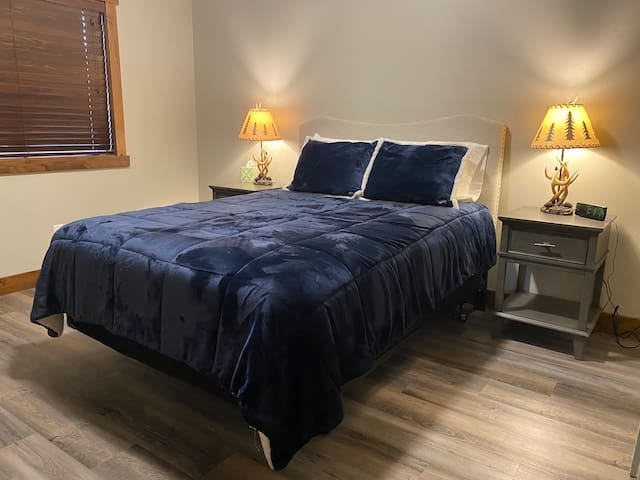 Large 2nd bedroom with large closet and adjacent full bathroom just down the hall.