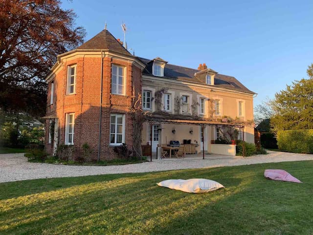 Bed and Breakfast in Normandy Room E2