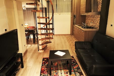Room with private bathroom. Included Breakfast :) - Milán - Loft