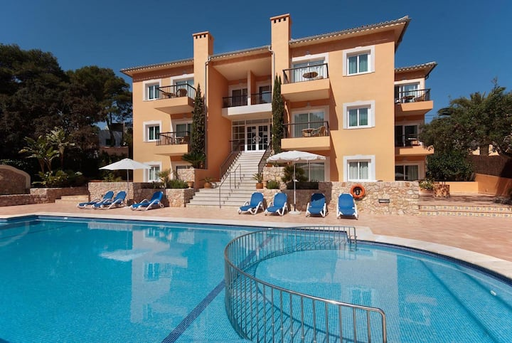 """Charming Apartment """"Pinos Altos T1"""" with Pool, Wi-Fi, Balcony & Terrace; Parking Available"""