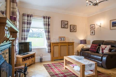 Honeysuckle - Peaceful Scottish Cottages & Hot Tub