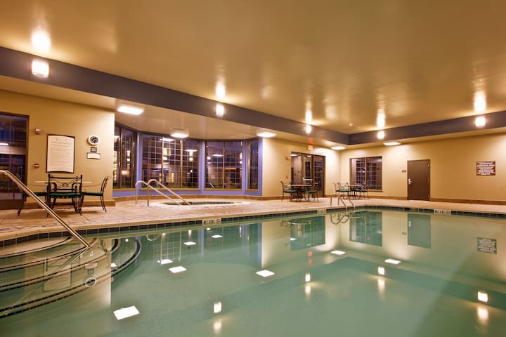 Equipped Suite   Free Breakfast, Business Center + Fitness Center Access