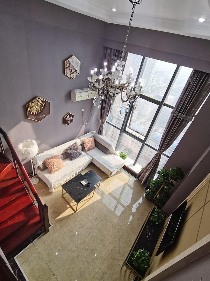 37度10号店loft复式公寓 亿隆国际 近锦州站 南站  近渤海大学 近万达广场 爱一方