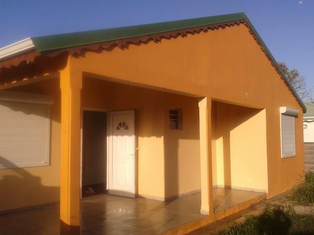 Villa K'NEL - GP - Villa