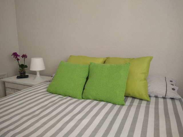 Habitación Doble Centro Ciudad con Wifi y Cocina - Santurtzi