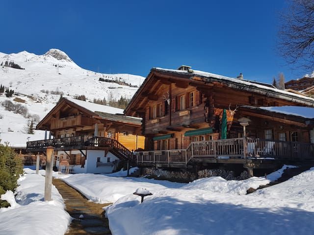 Luxurious & Cozy fully serviced Twin Chalets - Bagnes - Haus
