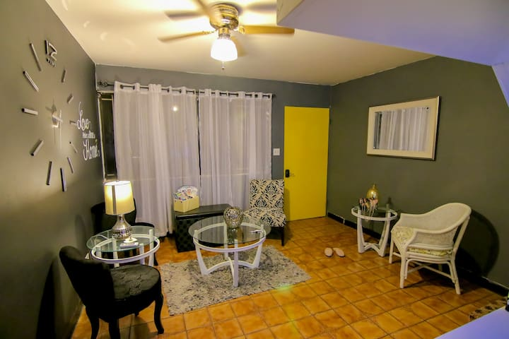 2-Story Apartment in Tamuning Guam - Tamuning - Apartment