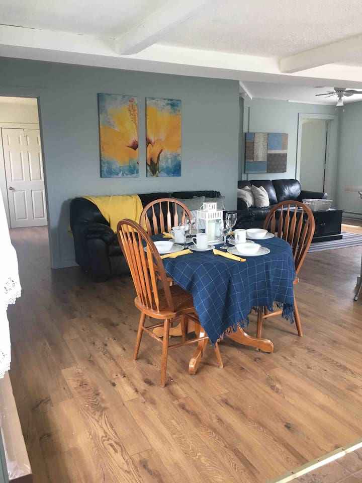 Dining and entertaining area