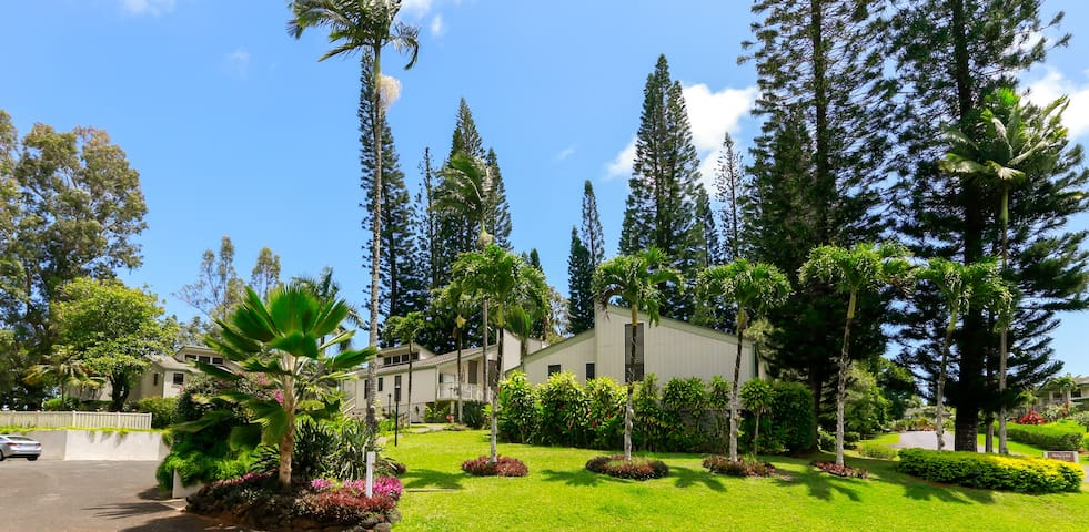 Tranquil Makai Paradise - 2BR Cottage