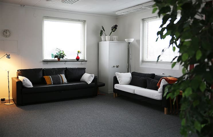 Sunny family friendly studio apartment. - Karlstad - Departamento
