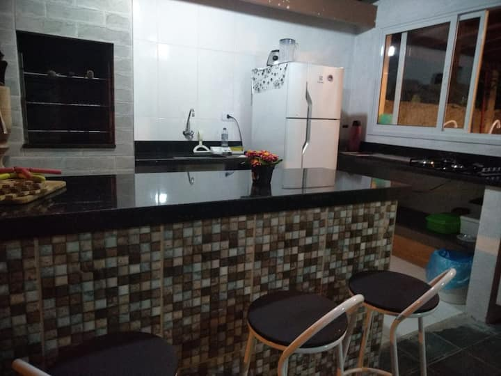 Casa a 500m da praia! [Pet Friendly]