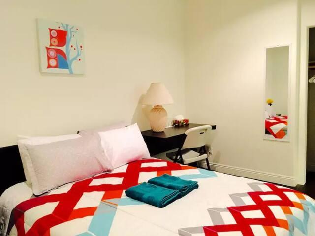 Amazing Nice New Bedroom Near Downtown Arcadia