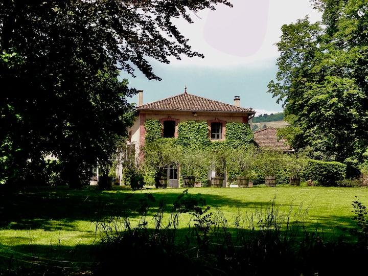 Petite maison du château des Moriers