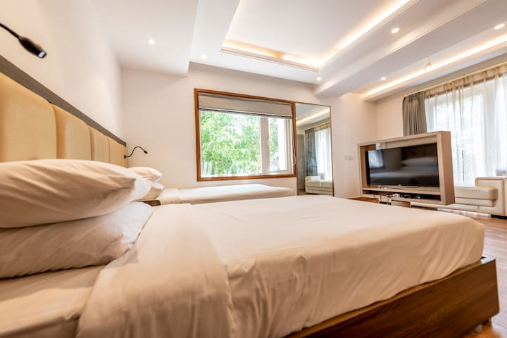 Hotel apartment suite 203-204