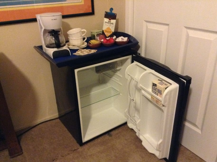 Coffee maker & mini fridge