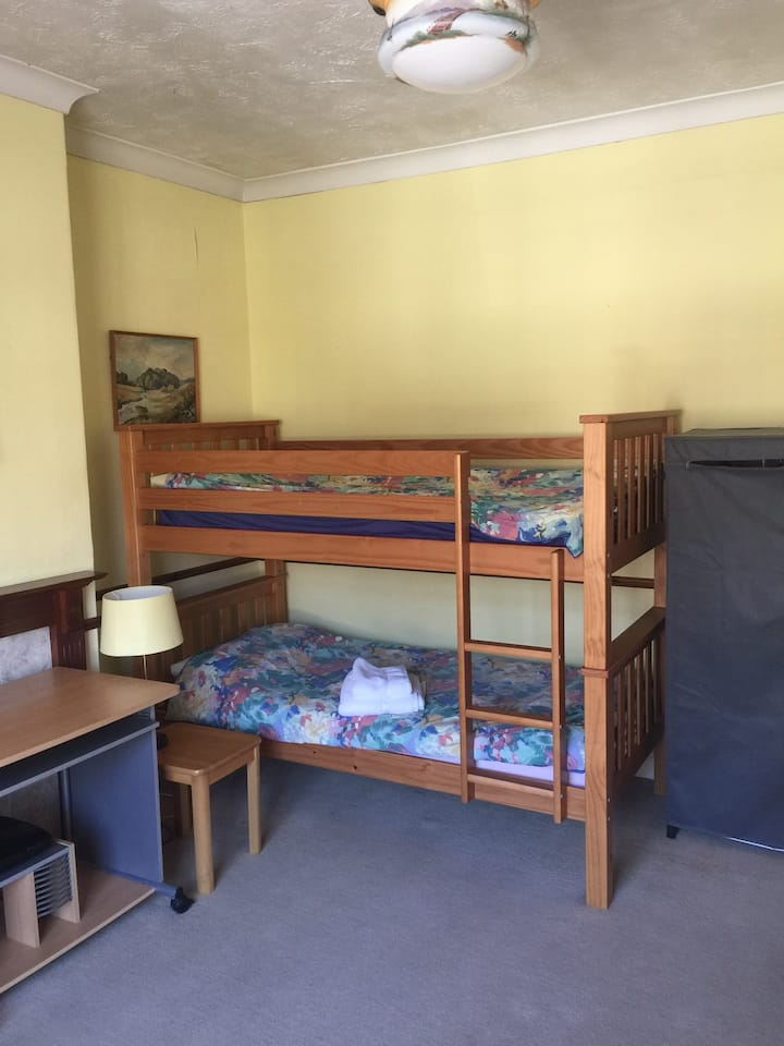 Good value single / twin  room