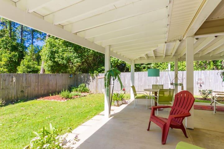 Breeze Blu Inn, fenced , private, peace, perfect!!