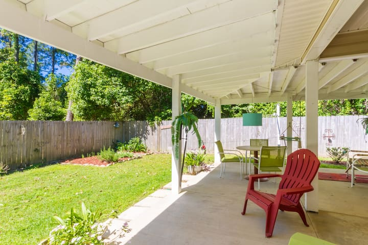 Breeze Blu Inn, fenced, private, perfect location