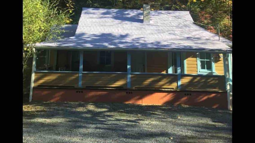 Newly restored 1935 all wood Appalachian bungalow