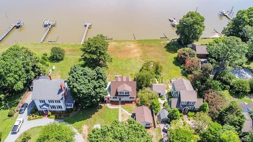 Studio Guest House on Water Lane in Tappahannock