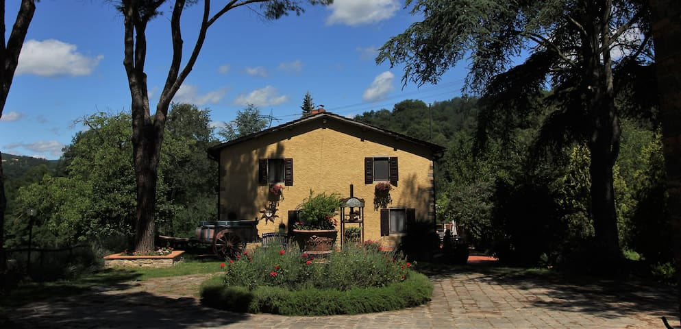 Room with nice view in Chianti near Florence - Gaville - วิลล่า