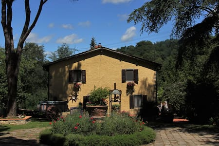Room with nice view in Chianti near Florence - Villa