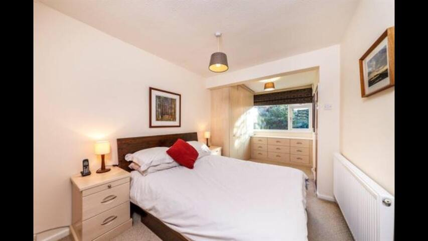 Hertford town centre, Double Bedroom & en-suite