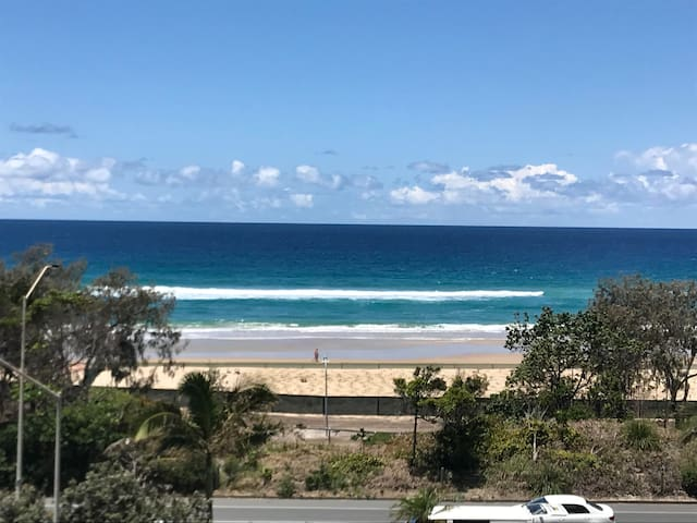 Uninterrupted ocean views - sparkling clean