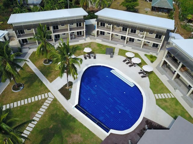 Discount for one week stay!Poolview