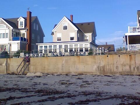 Beachfront 7 bedroom classic Maine beach house