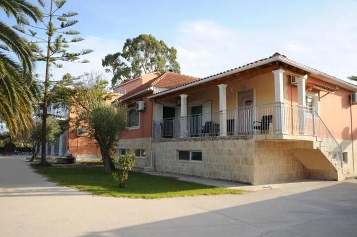 Villa building