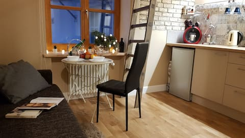Best location cozy studio in the heart of Old city