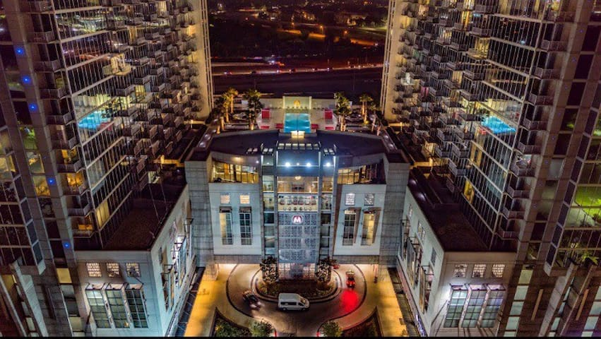 Swanky Penthouse right outside of Downtown Houston